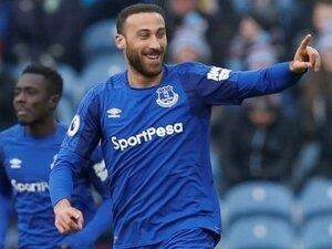 Cenk Tosun Everton'da siftahı yaptı...