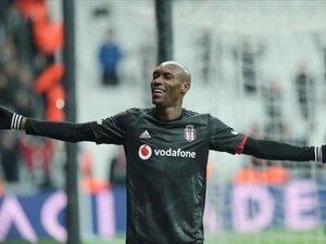 Beşiktaş'ımız, Atiba ile yeniden imzalıyor