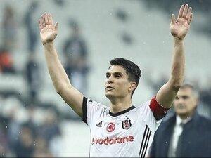 Necip Uysal'dan feda; Beşiktaş benim yuvam