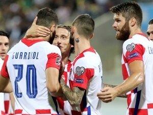 Sergen Yalçın, Slovakya- Hırvatistan maçını izledi! İki isme hayran kaldı!