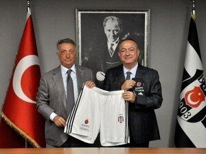 Beşiktaş'ta futbol takımının şort ve konç sponsoru Sompo Sigorta oldu